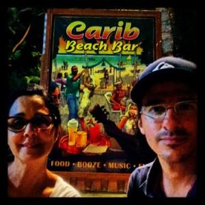 Sombra e água fresca para Cláudia Kopke e Rodrigo Cebrian em Barbados