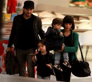 Recém-separados, Vanessa Giácomo e Daniel Oliveira passeiam com os filhos no Rio
