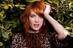 E não é que a cantora Florence Welch perdeu a voz?