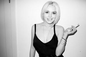 Glamurama celebra os 26 anos de Lindsay Lohan com muita confusão