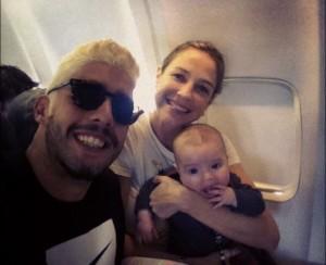 Embarque imediato: Luana Piovani rumo a Londres com a família