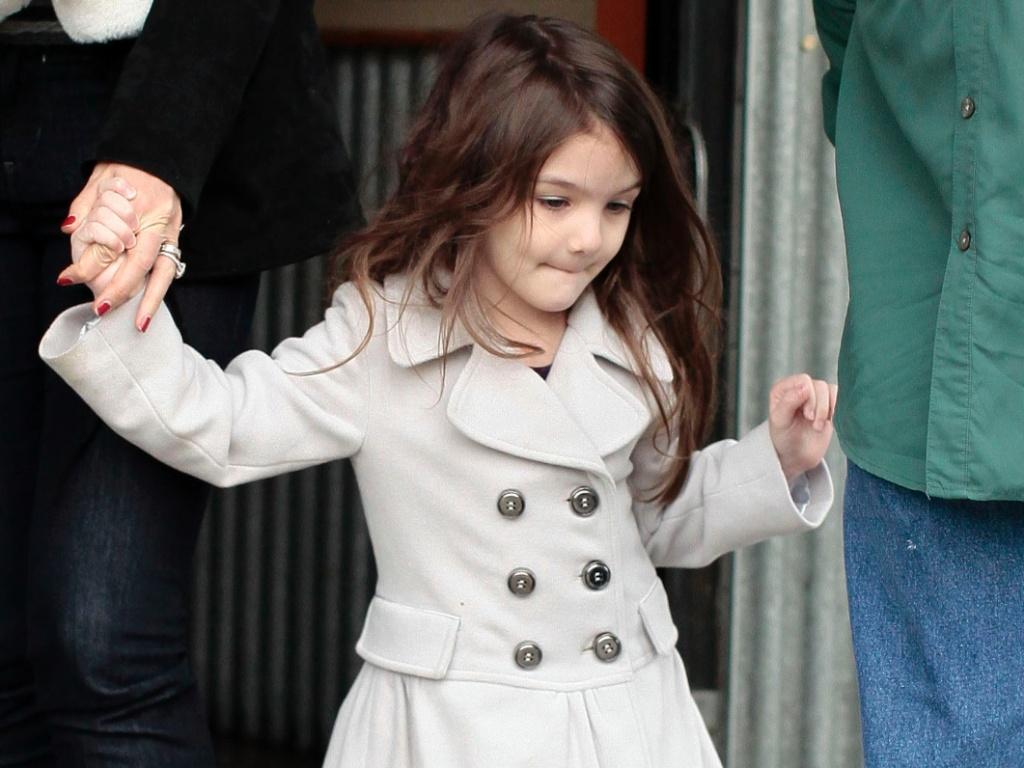 Katie Holmes está lutando pela guarda da pequena fashionista Suri Cruise