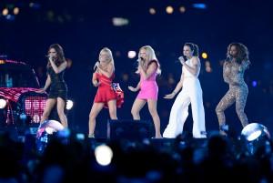 Spice Girls querem fazer nova turnê. Difícil é convencer Victoria