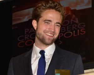 """Robert Pattinson desabafa: """"Não estou interessado em vender minha vida pessoal"""""""