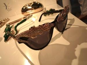 Um preview da linha de acessórios de Anna dello Russo para a H&M. Glamurama tem!