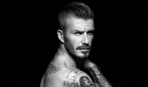 Com pouquíssima roupa, David Beckham estrela a nova campanha de sua linha para a H&M
