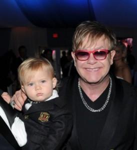 Elton John quer David Beckham como treinador de seu filho Zachary