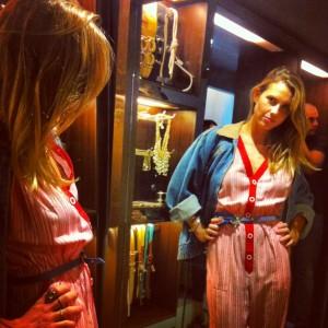 Na festa de lançamento da My Shoes, no Rio, duas paixões femininas se encontram