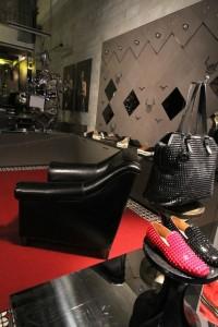 Só para eles: conheça a nova loja de Louboutin em Nova York