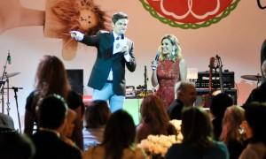 Leilão beneficente atrai glamurettes e estrelas globais em São Paulo