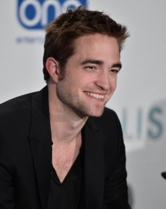 Depois do fim do namoro, Robert Pattinson resolveu se refugiar. Onde?