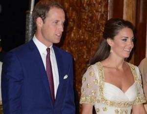 Kate Middleton veste Alexander McQueen para jantar oficial na Malásia