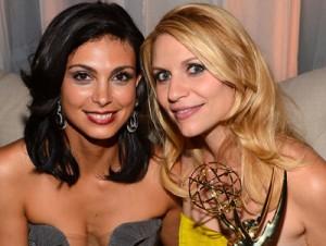 Morena Baccarin era só elogios a amiga Claire Danes durante o Emmy