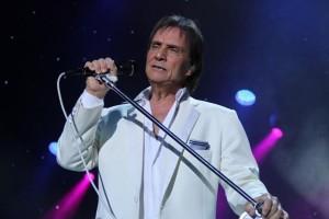 O rei quer Michel Teló, samba e música eletrônica em especial