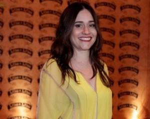 """Frase de Alessandra Negrini: """"Sei fingir que canto"""". Saiba mais!"""