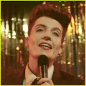 """Se perca com o vídeo de """"Sweet Nothing"""", de Florence Welch & Calvin Harris"""