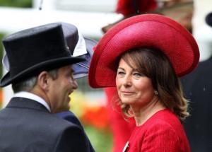 Lagerfeld diz achar Carole Middleton mais sexy que as duas filhas juntas