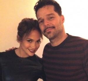 Jennifer Lopez banca a tiete de Ricky Martin na Broadway. Vem ver!