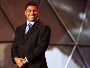 Ronaldo Fenômeno comemora 36 anos com festança em São Paulo