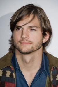 Policiais invadem a mansão de Ashton Kutcher em L.A. Oi?