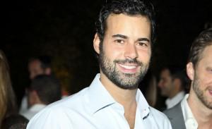 Eduardo Scarpa Julião comemora aniversário com festa black tie