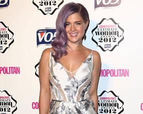 Kelly Osbourne ganha prêmio por ter reinventado a silhueta