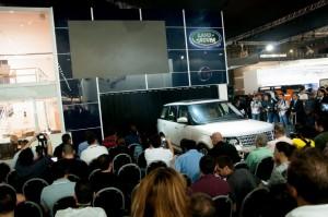 Jaguar Land Rover recebe em inauguração do Salão do Automóvel, em SP