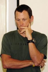 Lance Armstrong: prejuízo de US$ 150 milhões após rompimento de contrato
