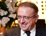 Criador da Dom Pérignon, Richard Geoffroy abriu a adega para um jantar