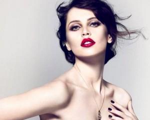 Com batom vermelho e estampa de oncinha, Dolce & Gabbana lança nova coleção de make