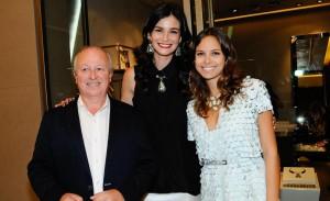 Hector Albertazzi e Caroline Ribeiro lançam linha de bijoux em São Paulo