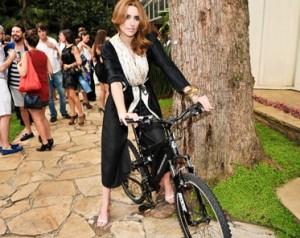 Glamurettes ganham Bike Mitsubishi durante festa da J.P