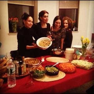 Dandara Ferreira e amigas comemoram Ação de Graças em Nova York