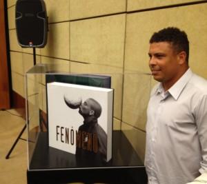 Ronaldo ganha livro sobre a sua carreira fenomenal. Fique por dentro!