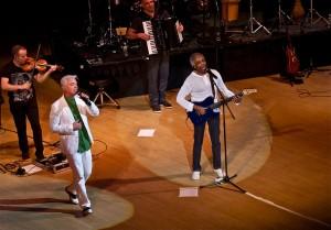 Gilberto Gil esquentou Nova York nessa quinta-feira. Com quem?