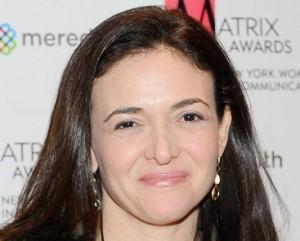 Sheryl Sandberg aproveita alta e vende parte de suas ações do Facebook