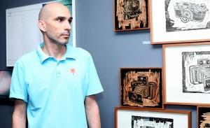 Renato de Cara reúne turma das artes e comemora aniversário na Galeria Mezanino