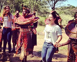 Diane von Fürstenberg comemora aniversário em férias no Quênia