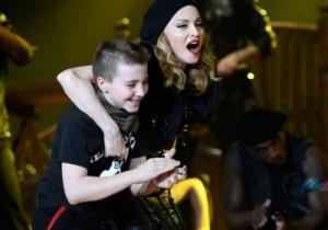 Enquanto Madonna descansava no hotel, sua turma curtia o Rio 40º