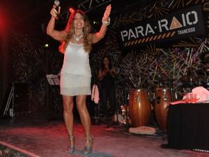 Elba Ramalho celebra temporada em Trancoso com show