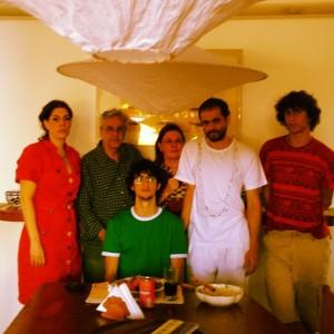 Caetano Veloso reúne a família em Salvador para acompanhar Dona Canô