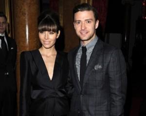 Jessica Biel e Timberlake assistem ao desfile da Tom Ford em Londres