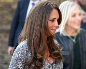 Olha o flagra! Vem conferir a barriguinha de grávida de Kate Middleton