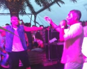 Romário canta com Naldo no Café de La Musique Floripa. Aos detalhes!