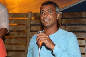 Romário cantando com Naldo em Jurerê Internacional? Entenda!