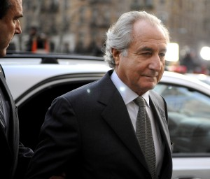Bernard Madoff diz que está colaborando com a justiça. Será mesmo?