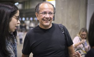 Tradição! David Bastos arma almoço em sua casa em Salvador