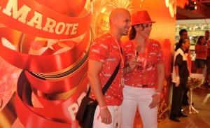 Sabe como Daniela Escobar se refresca no calorão do Rio?