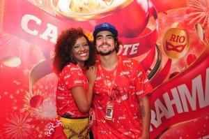Caio Castro conta dos planos pós-Carnaval e mostra samba no pé
