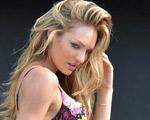 Candice Swanepoel posa de lingerie para nova campanha da Victoria's Secret